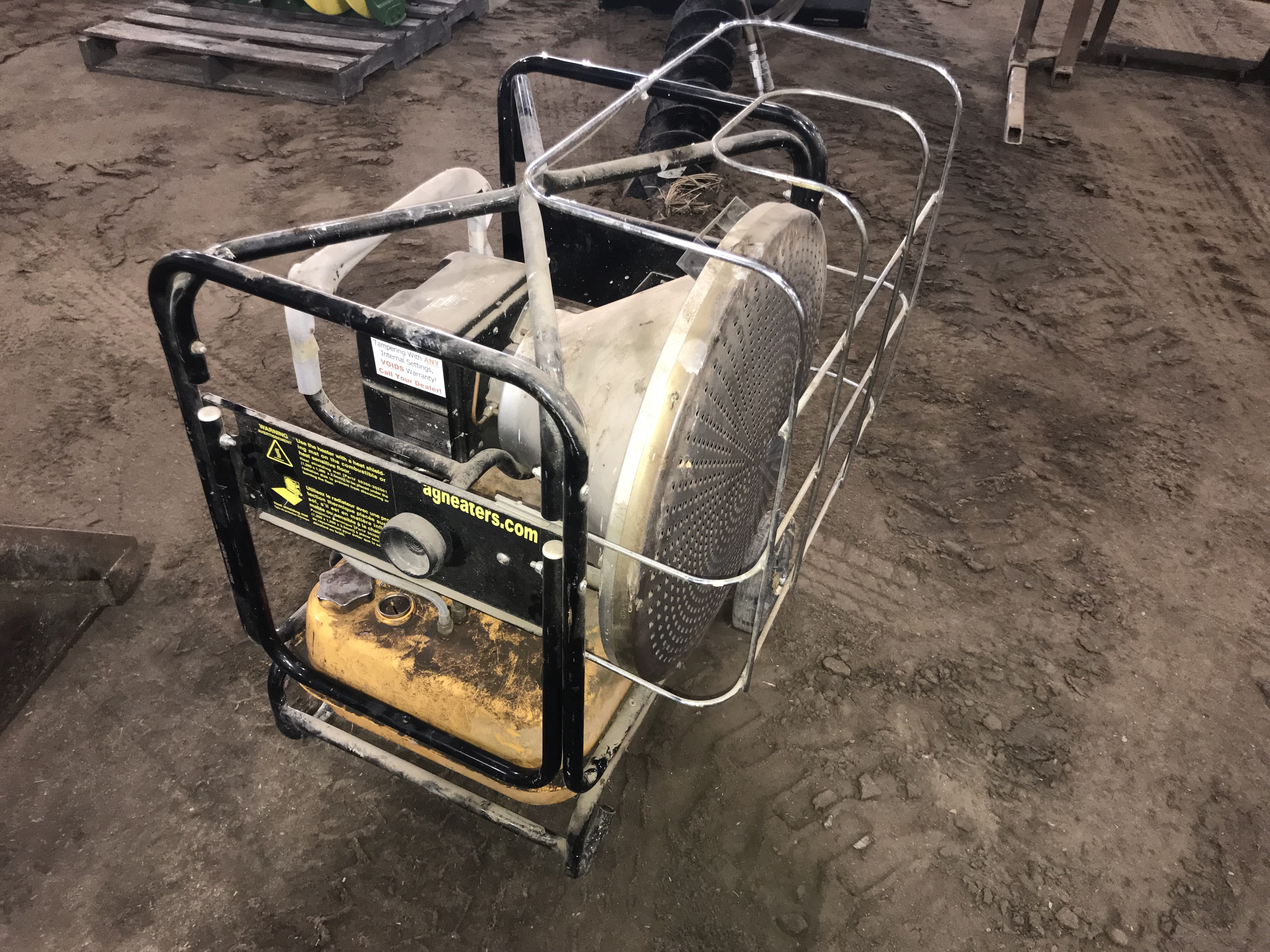 Lot 14 - Val 6 2 Step Infra-Red Portable Ag Heater