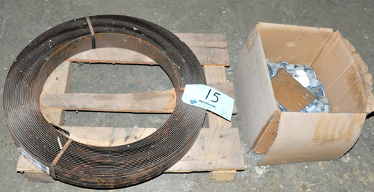 Lot 15 - Lot-Steel Banding with Clips