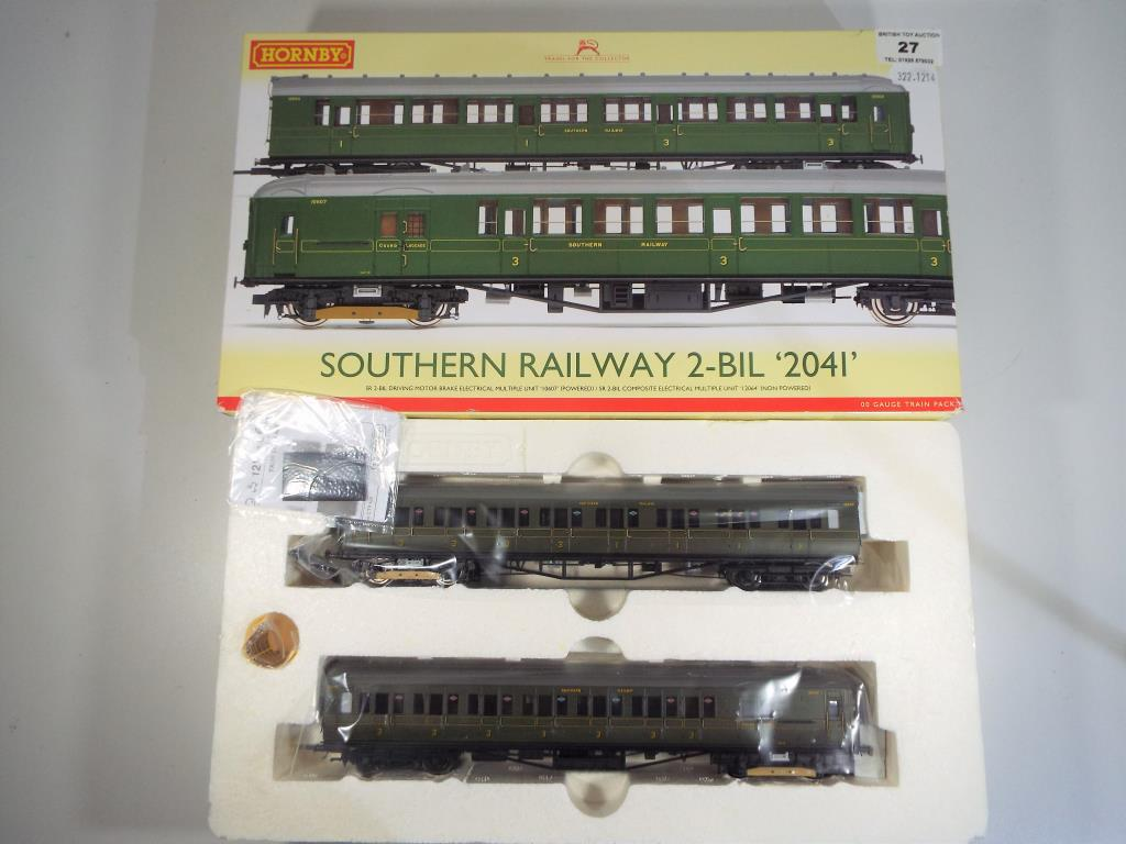 Lot 27 - Model Railways - a Hornby OO gauge Southern Region 2-bill 2041 electric multiple unit DCC ready ref