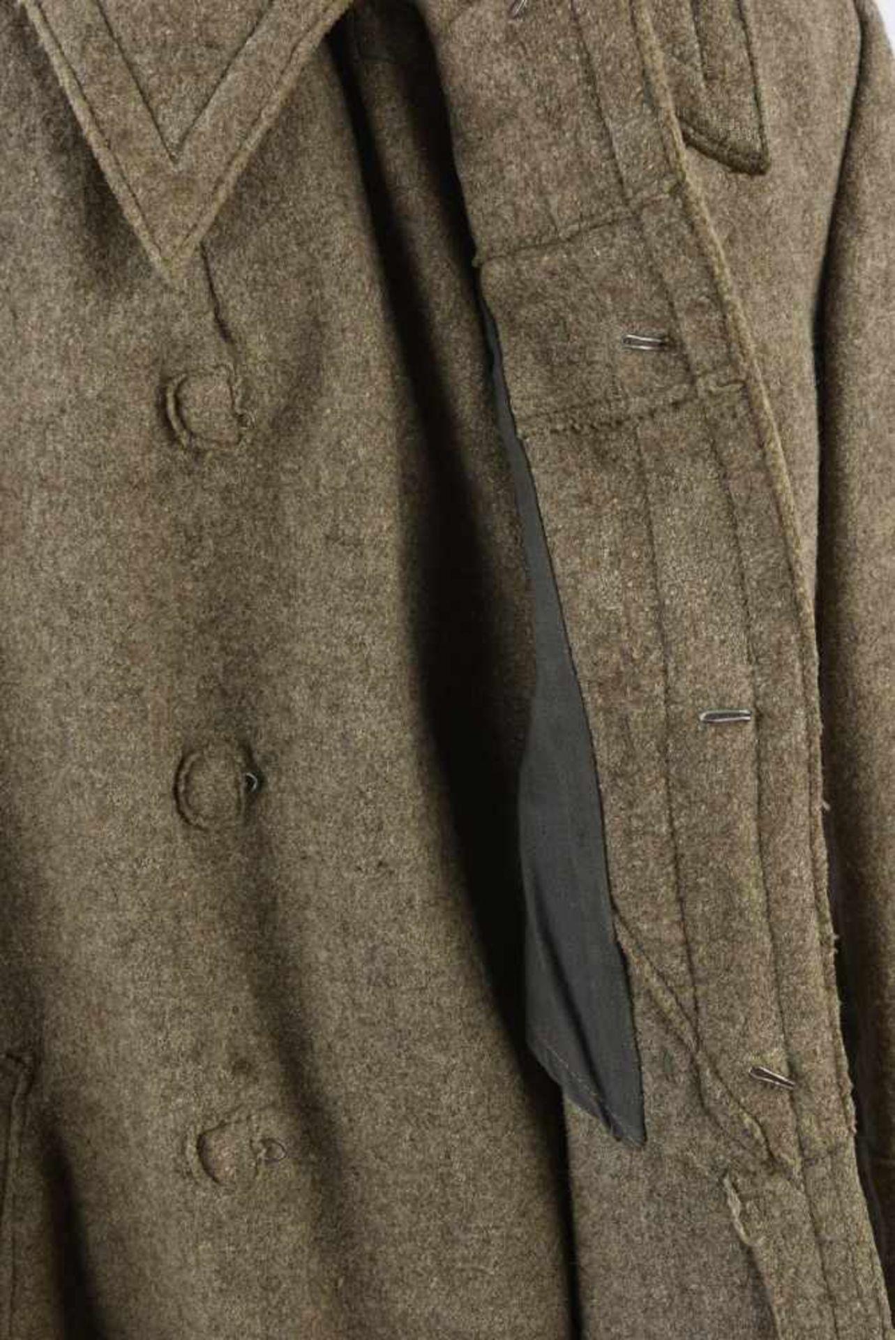 Capote M.43, complète Bonne taille, bon état. Découverte en Mayenne, ramenée par un prisonnier - Bild 2 aus 4