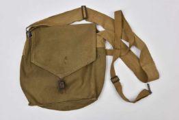 sac de masque à gaz Sac de masque à gaz SHM-1, daté 1941. Cette pièce provient de la collection