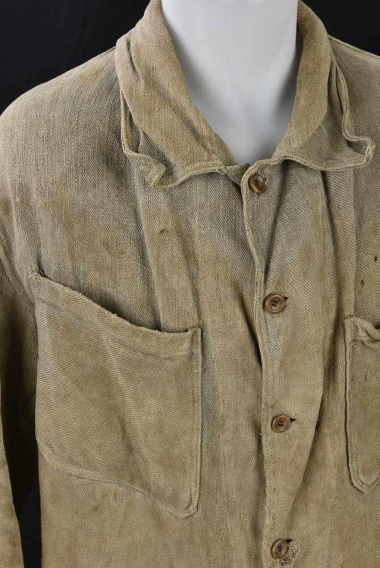 Veste de corvée en grosse toile. Datée 1938. Work jacket, in canvas. Dated 1938. Cette pièce - Bild 3 aus 4