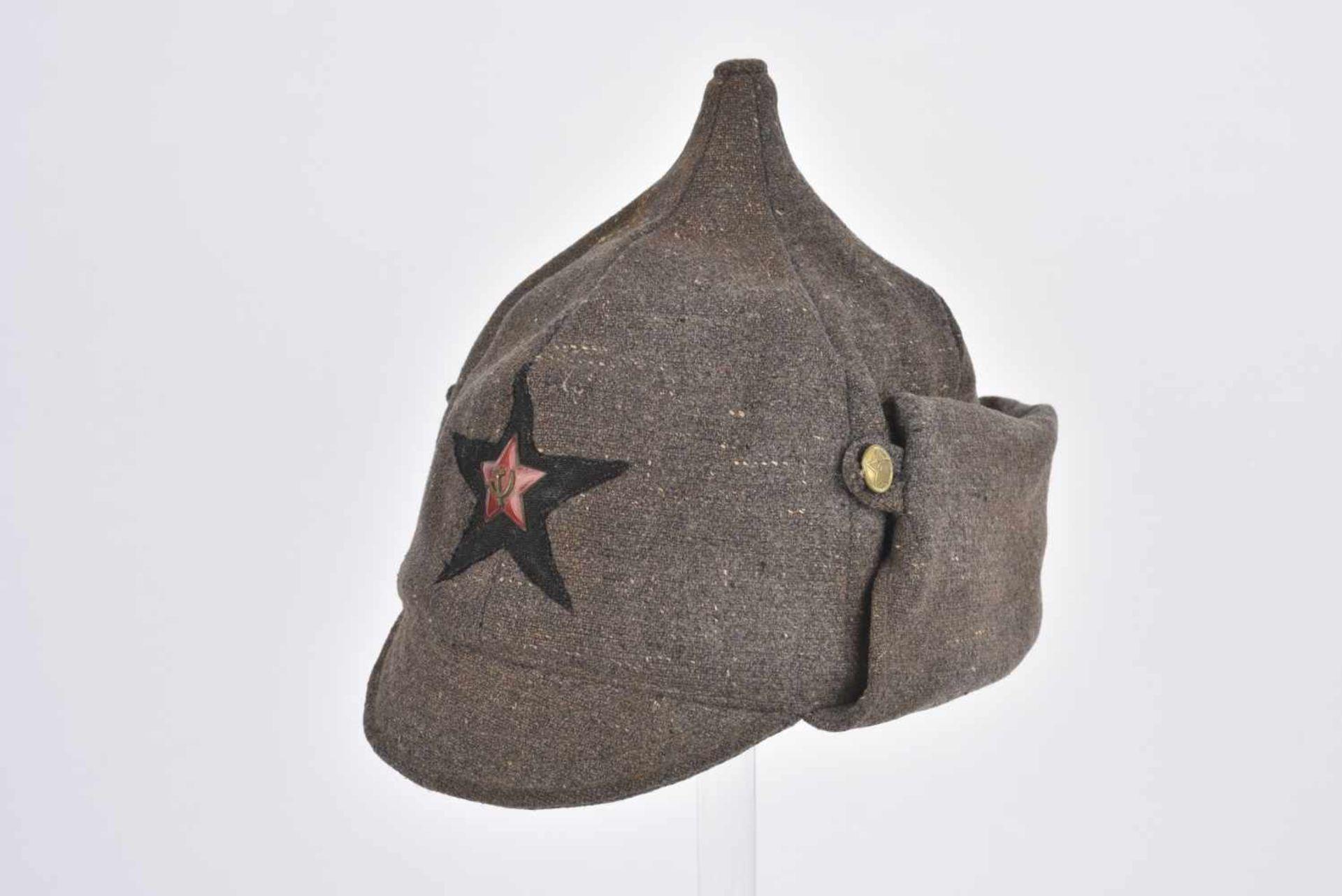 Budyonovka, M.27 pour l'artillerie ou les troupes blindées Complète avec étoile en tissu noire,