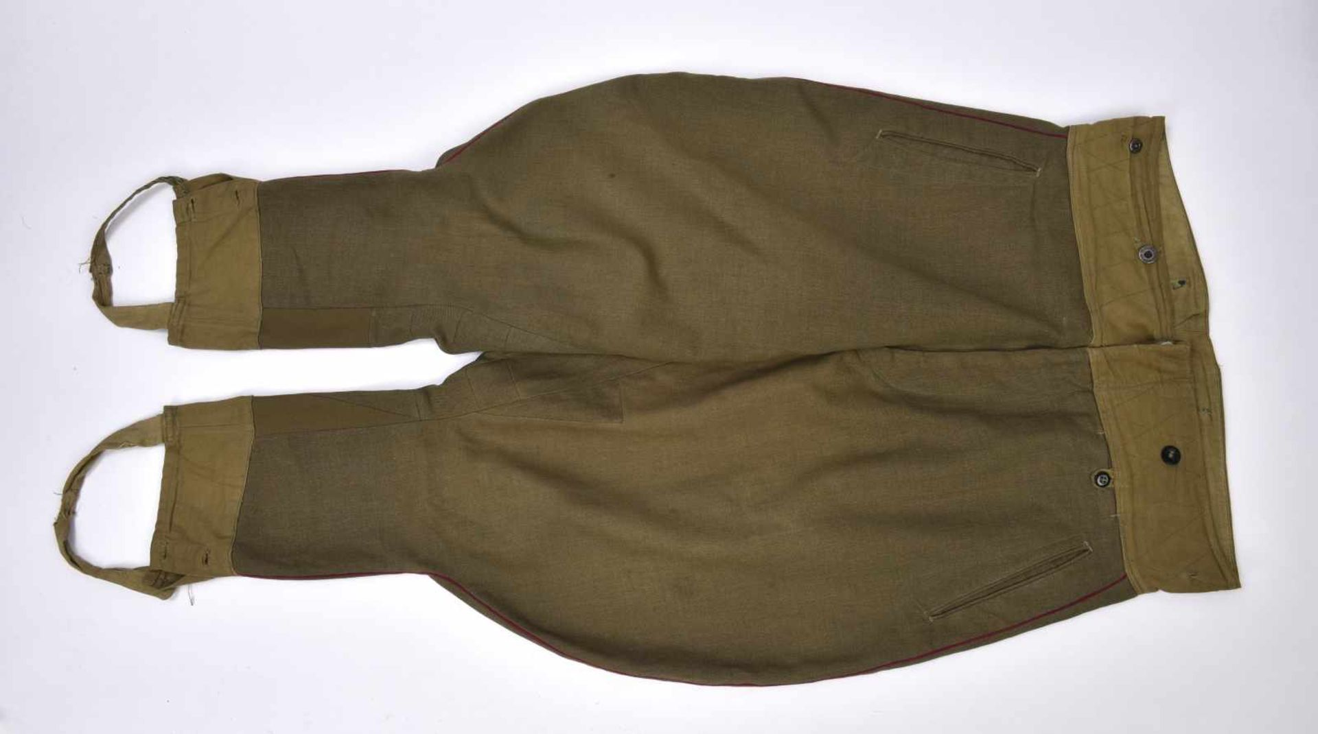 Los 1706 - Ensemble comprenant Gymnasterka M.43 d'un Starchiy Lieutenant de l'infanterie Présence de 2 poches