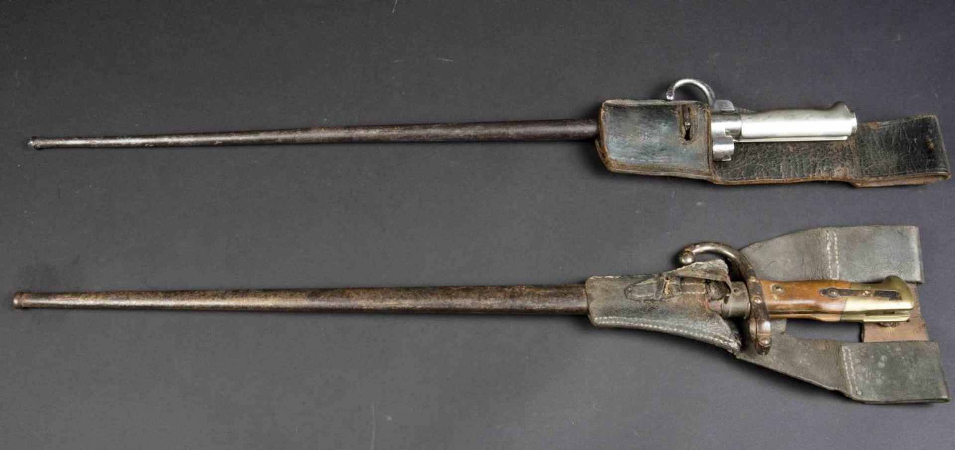 Lot de deux baïonnettes Lebel modèle 1886 poignée maillechort (bon état) avec porte-baïonnette non - Bild 3 aus 4