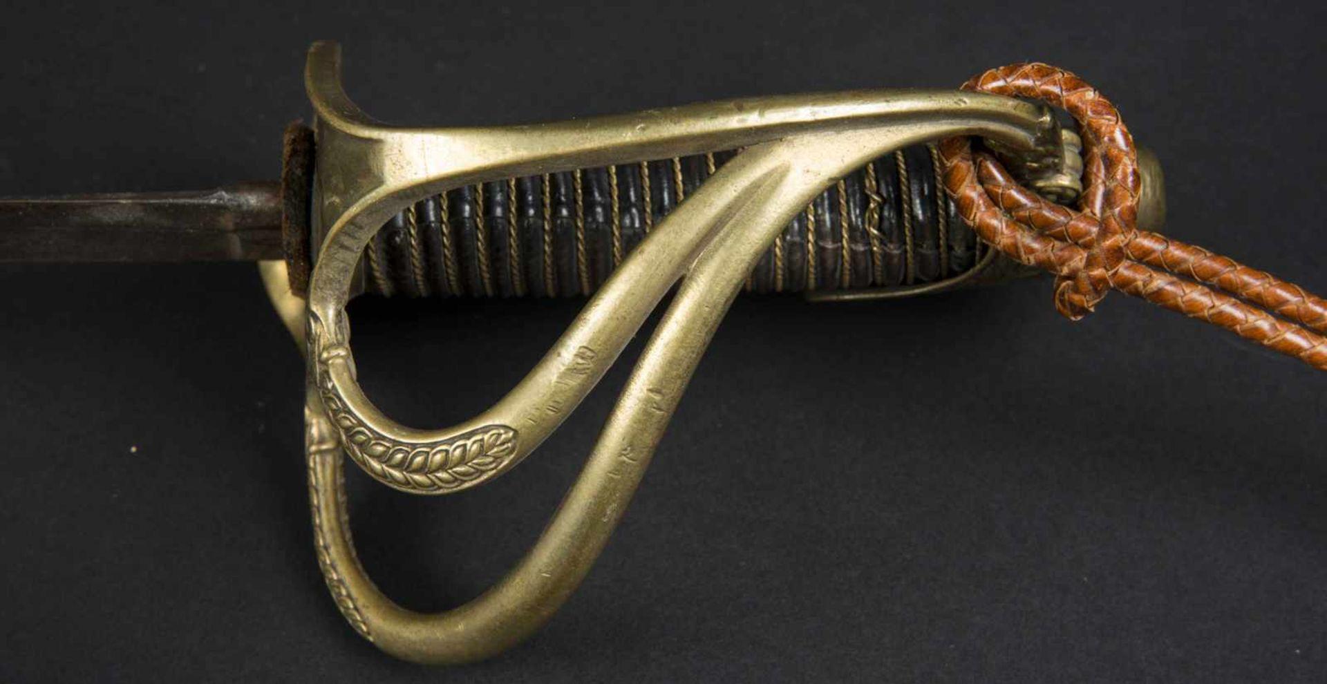 Lot de trois sabres officier de cavalerie légère 1822-1882 bon état, avec dragonne à cordon tressé - Bild 4 aus 4