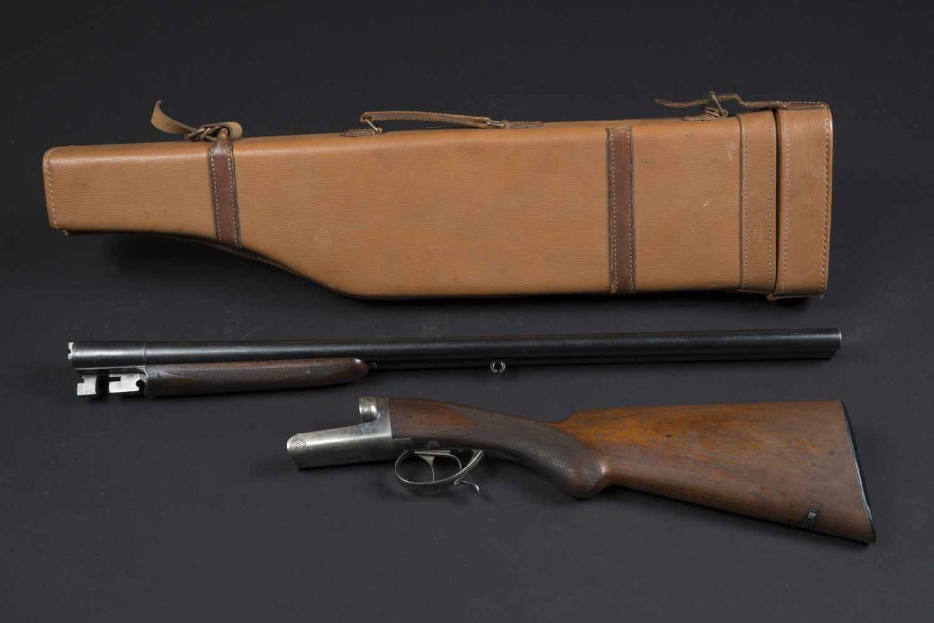 Fusil Robust Ideal Catégorie C Numéro 268. Etiquette présente dans la housse en cuir. Calibre 12.