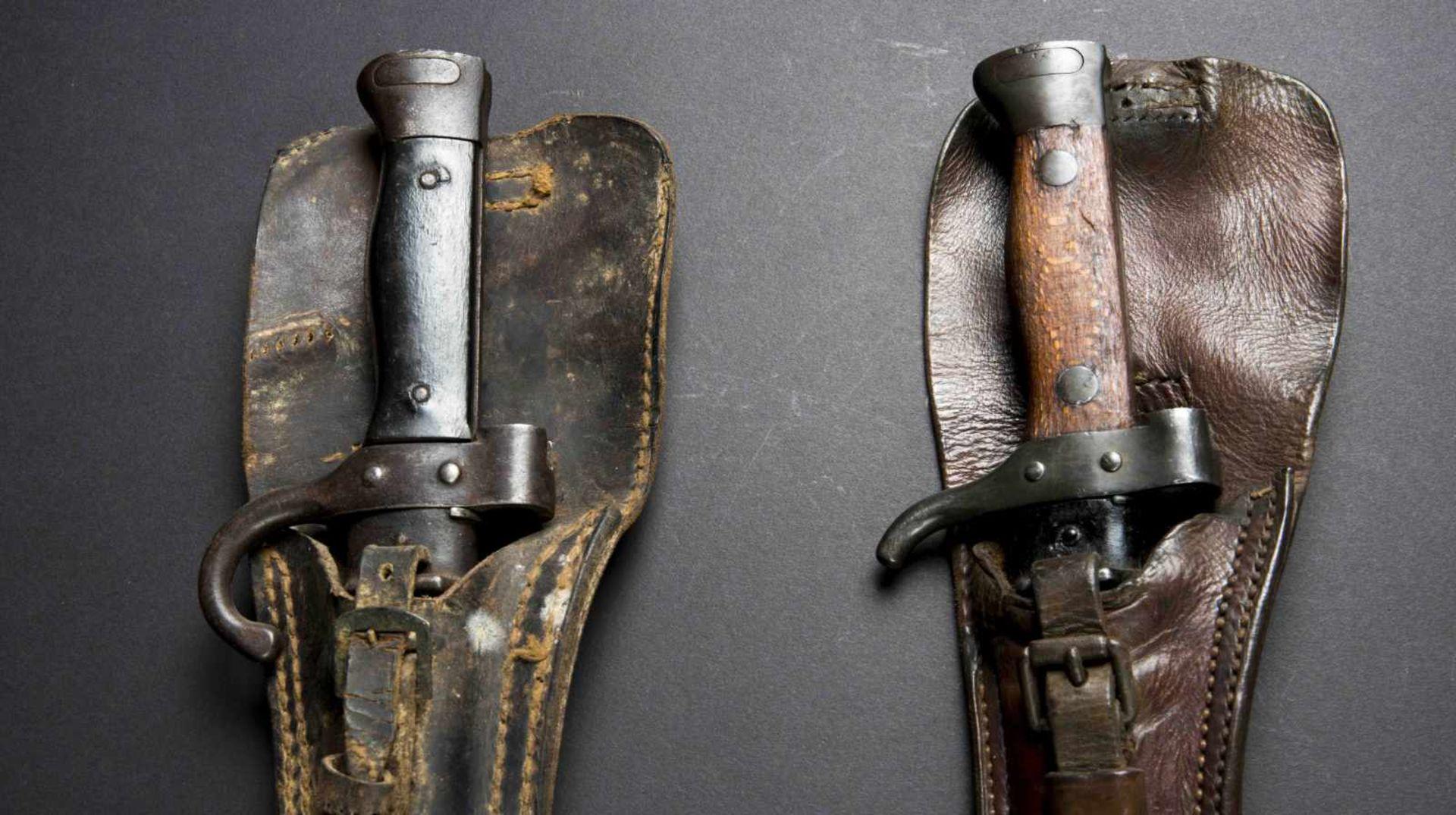 Lot de deux baïonnettes, modèle 1892 et modèle 1892/1915 pour mousqueton (état moyen). Porte-épées - Bild 4 aus 4