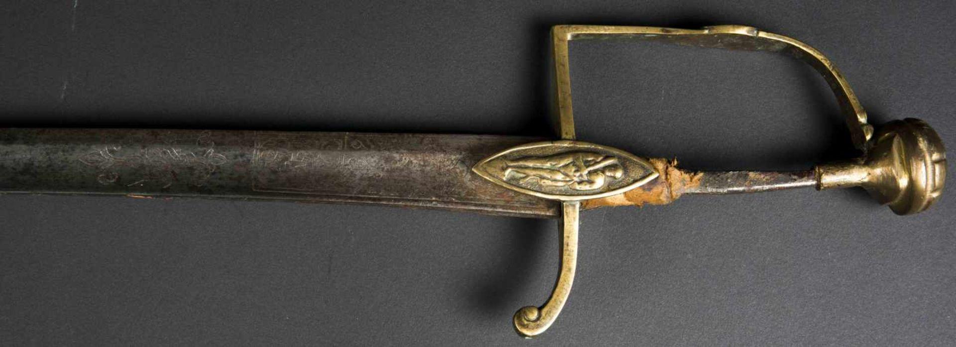Epée de sous-officier du Génie modèle 1884 monture en bronze doré avec grenade argent sur la - Bild 2 aus 4