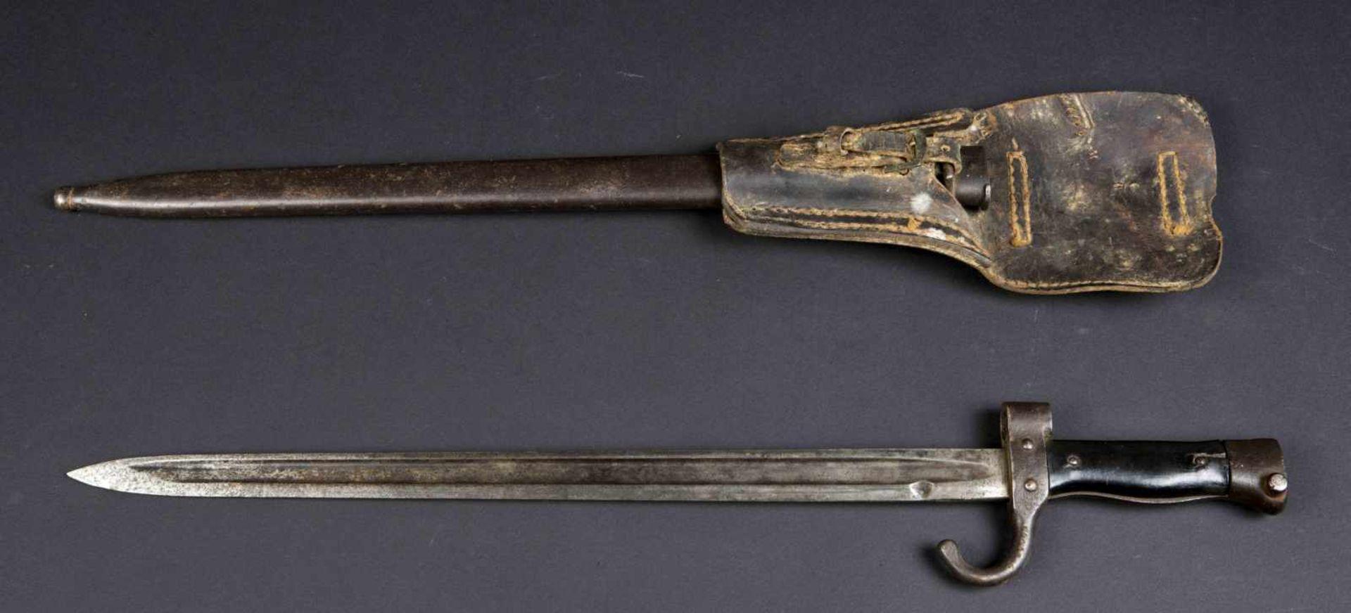 Lot de deux baïonnettes, modèle 1892 et modèle 1892/1915 pour mousqueton (état moyen). Porte-épées - Bild 2 aus 4