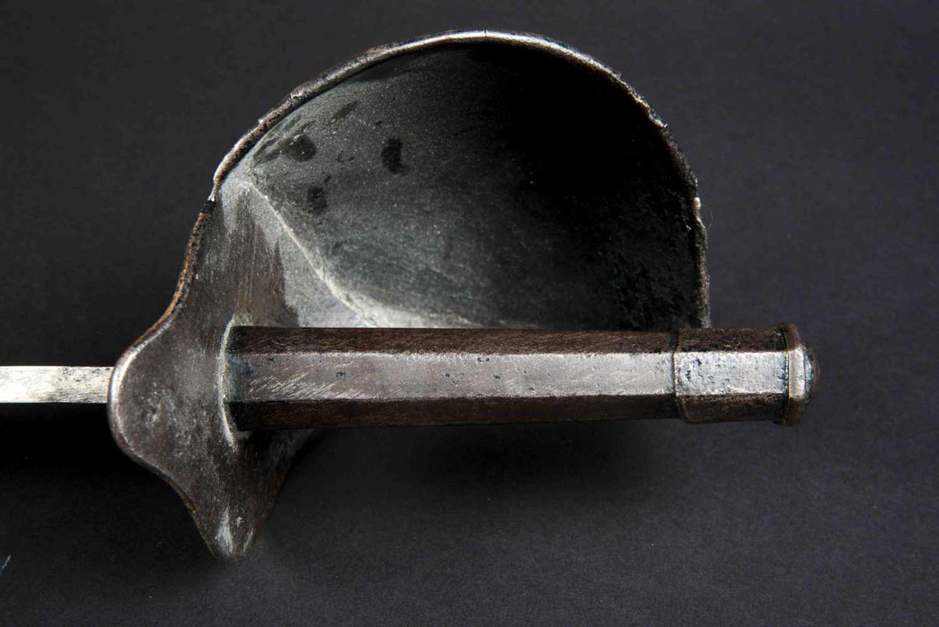 Sabre d'abordage XIXème Tout en métal, fourreau manquant. Fabrication de la Manufacture de - Bild 3 aus 4