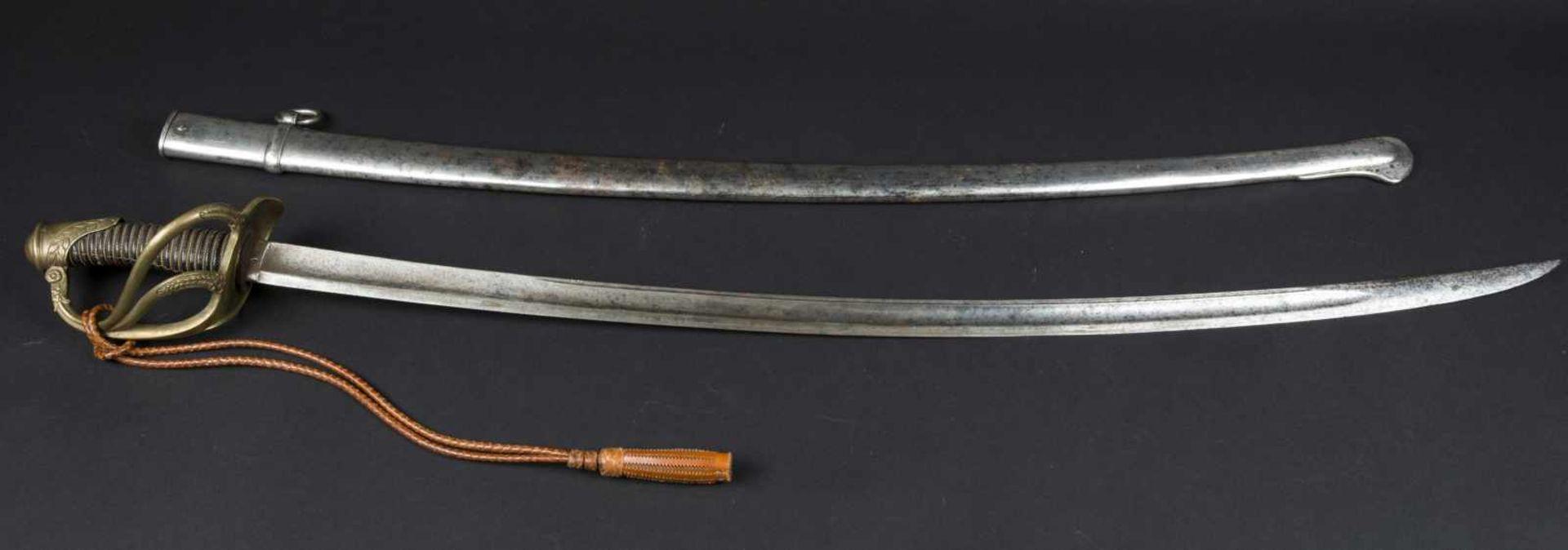 Lot de trois sabres officier de cavalerie légère 1822-1882 bon état, avec dragonne à cordon tressé