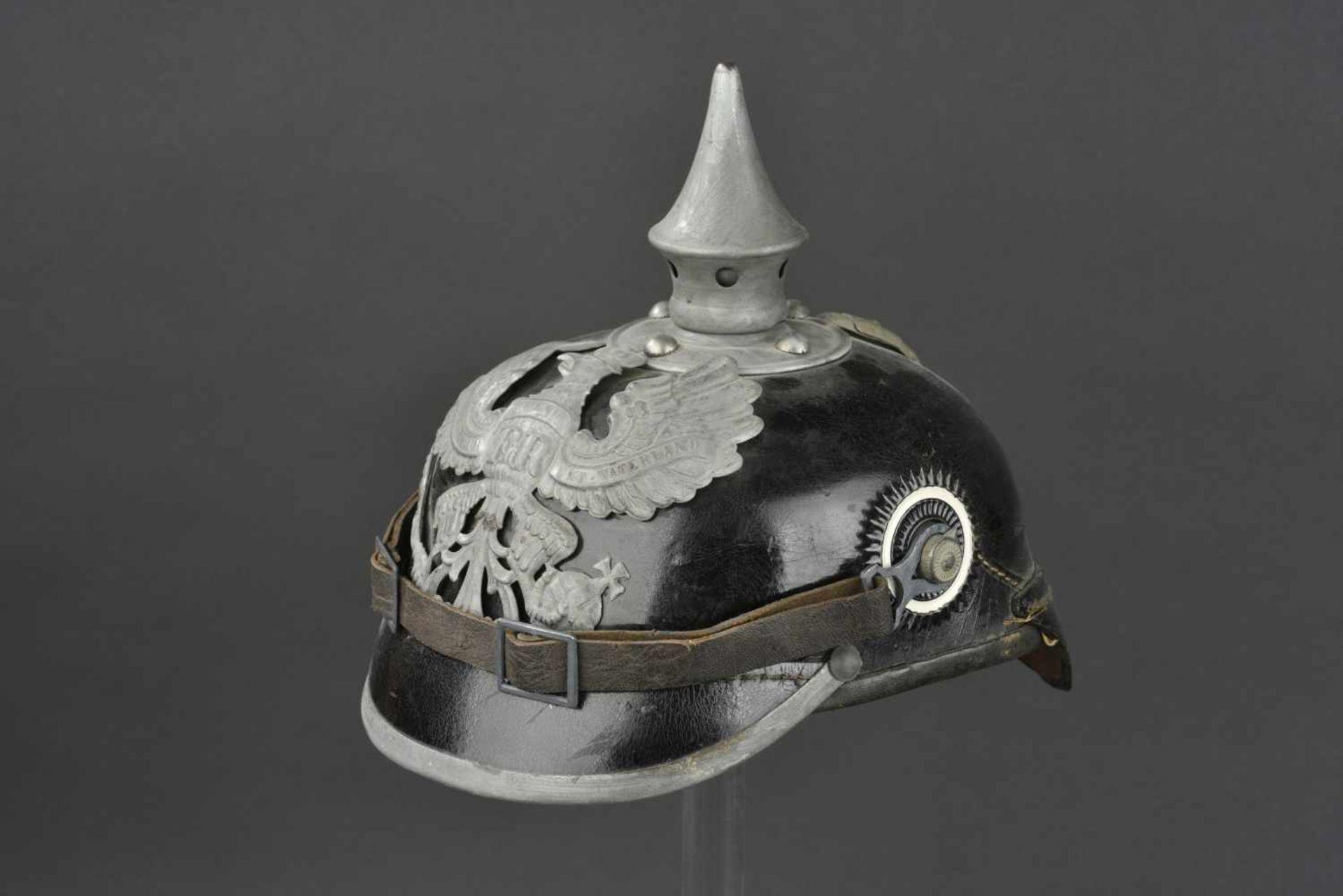 PRUSSE Casque à pointe de troupe modèle 1915 de l'infanterie Prussienne Bombe en cuir, garnitures en
