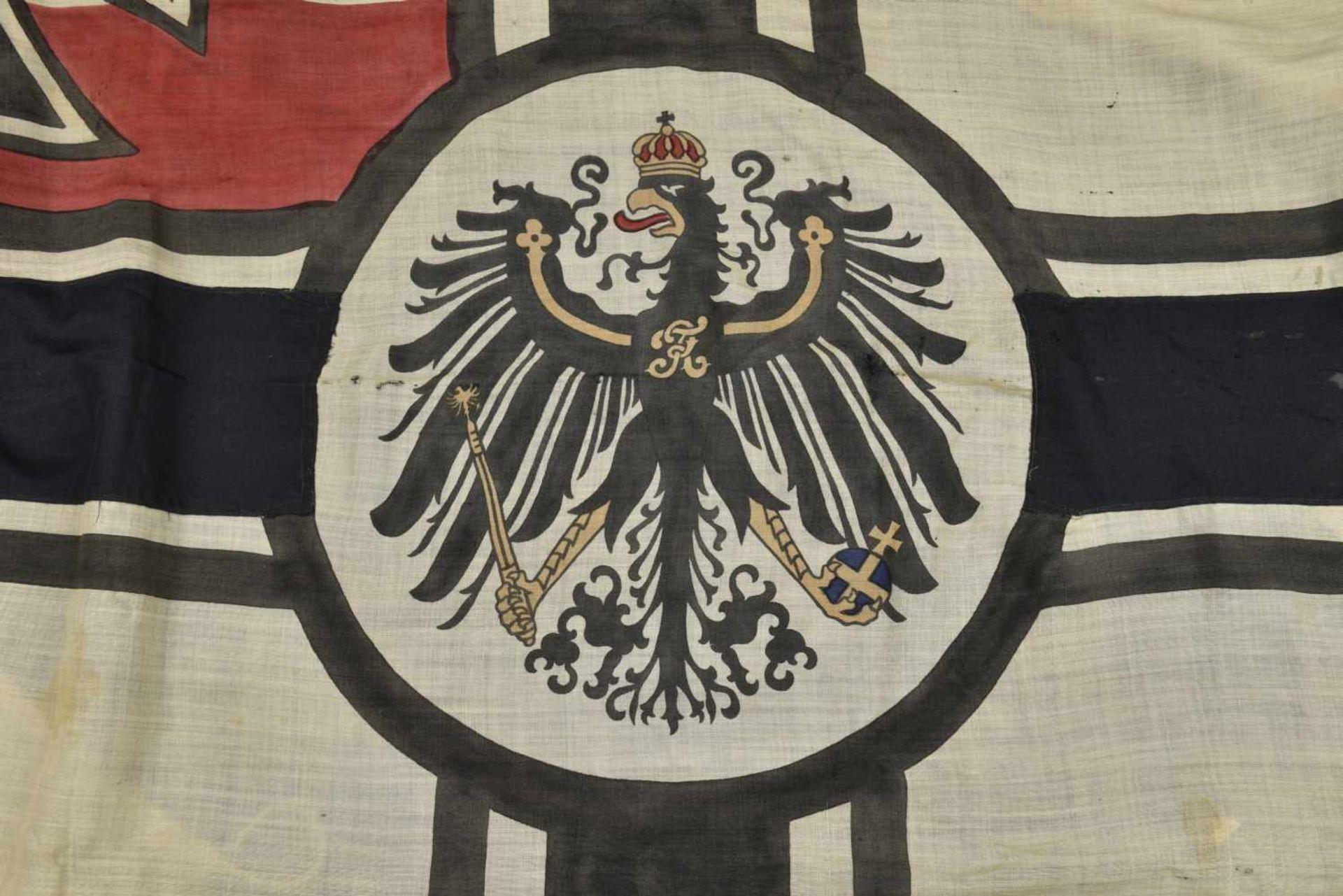 Drapeau de la Kaiserliche Marine provenant de Louvière en Belgique En tissu coton blanc, aigle - Bild 2 aus 4