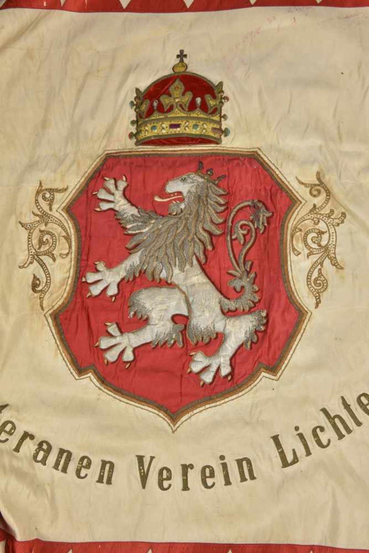 Drapeau de l'association des vétérans militaires de Lichtenwald en Basse Styrie Biface. Recto en - Bild 3 aus 4