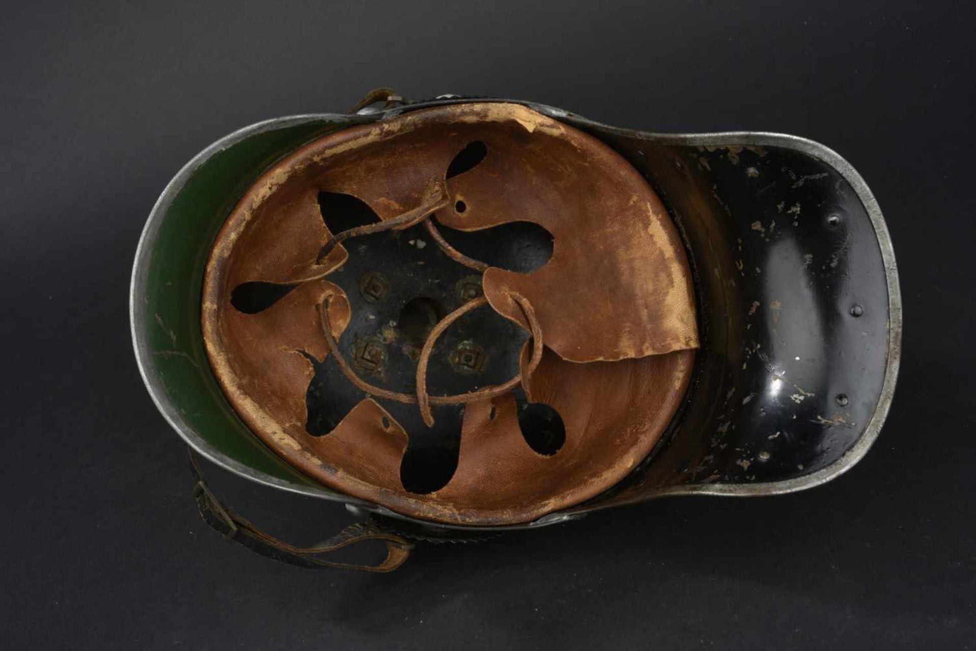 Los 21 - PRUSSE Casque de troupe de cuirassier Prussien modèle 1915 Garnitures en fer peint excepté la