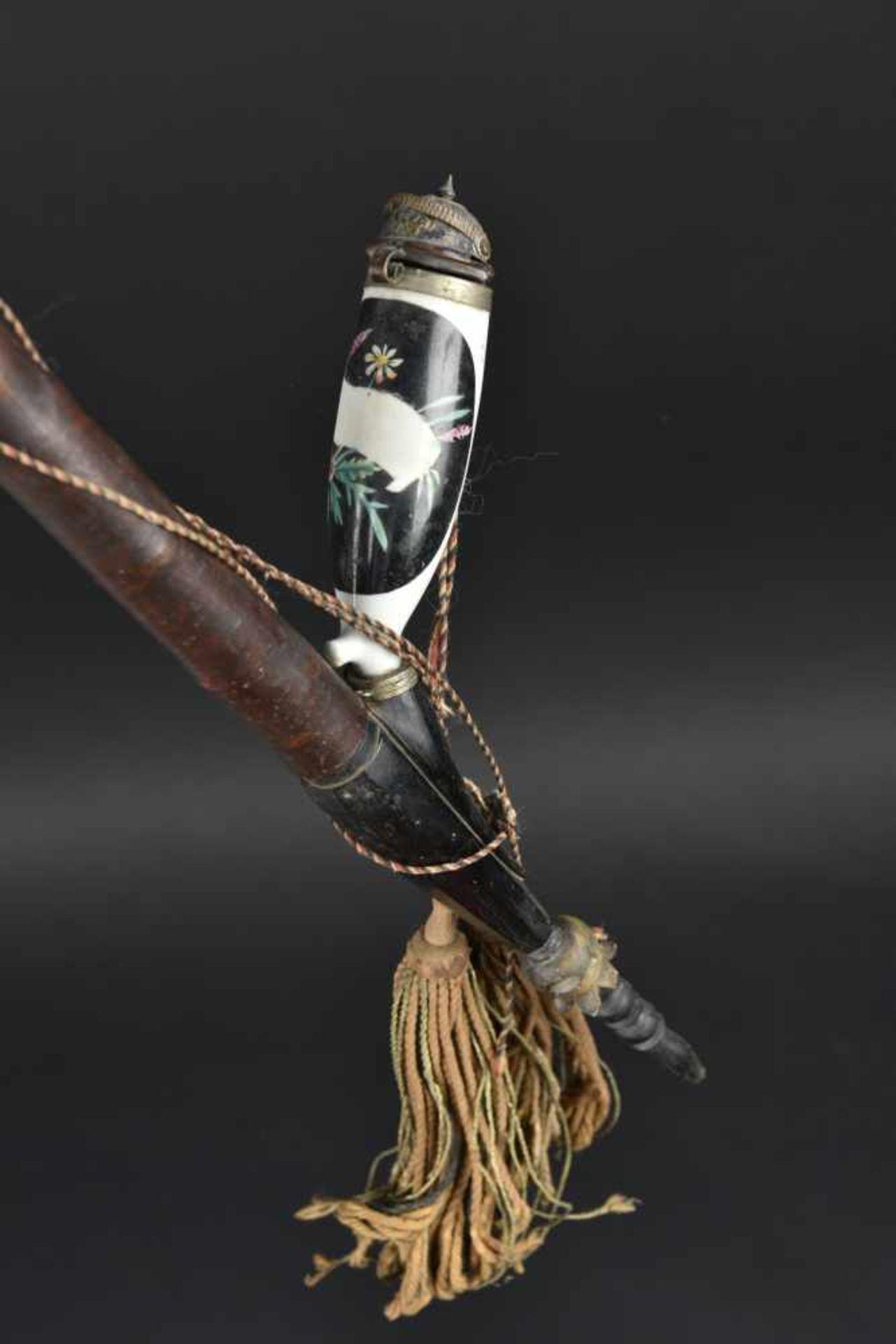 Pipe de réserviste En bois et bois de cerf. Très peu décorée. Cartouches neutralisés décorant une - Bild 3 aus 4