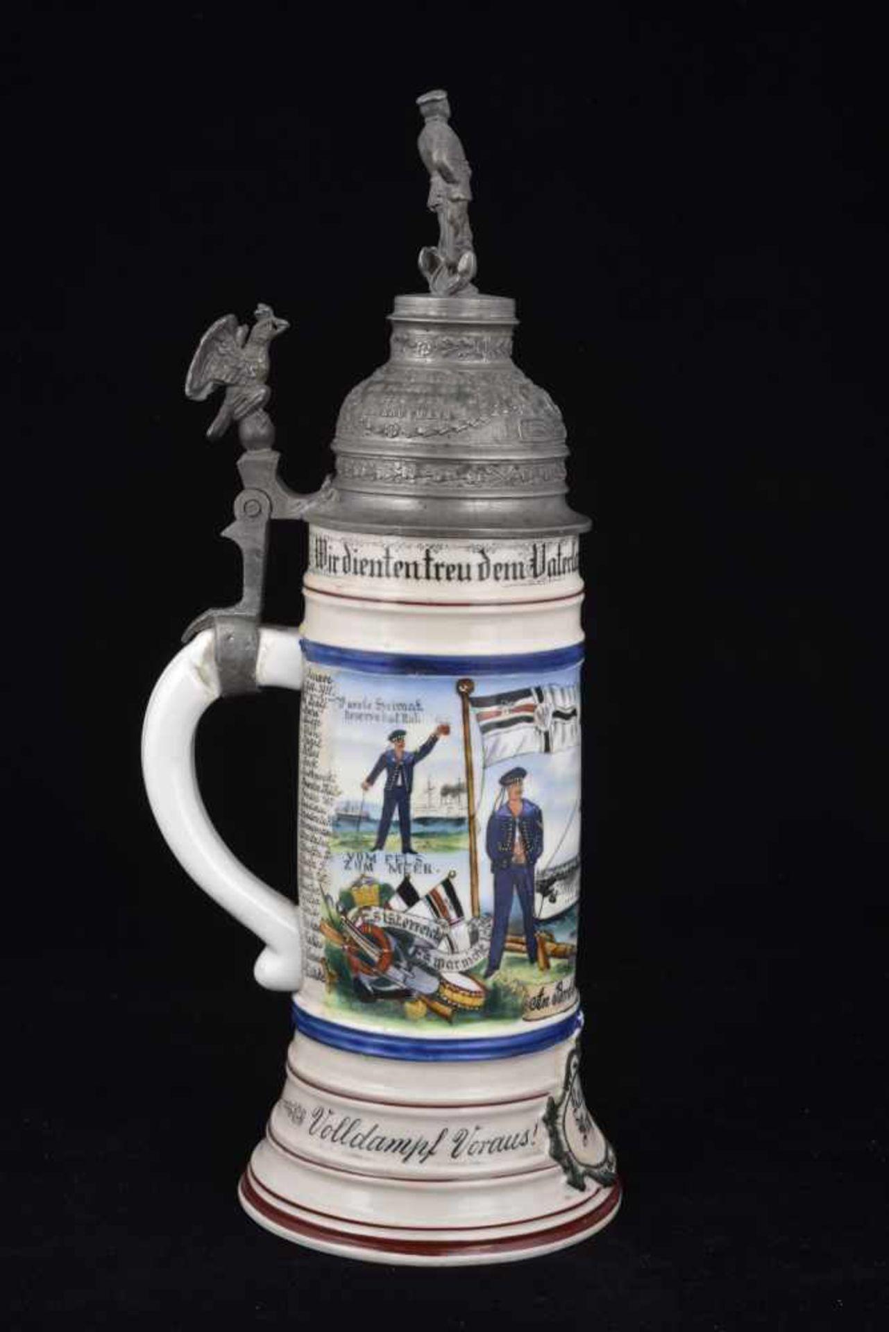 Chope du S.M.S. PRINZ ADALBERT En porcelaine blanche d'1/2 litre, richement décorée. Couvercle - Bild 2 aus 4