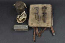 Equipement allemand première guerre mondiale Comprenant une boite en métal, marquée Model of 1916,