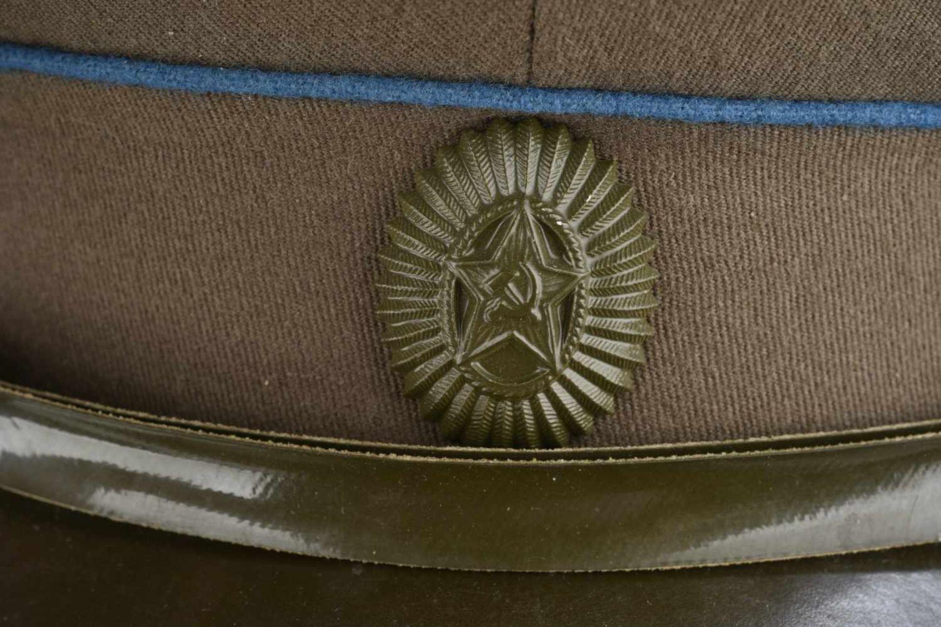 Casquette combat de général soviétique de l'armée de l'air En tissu kaki, double liseré bleu. - Bild 3 aus 4