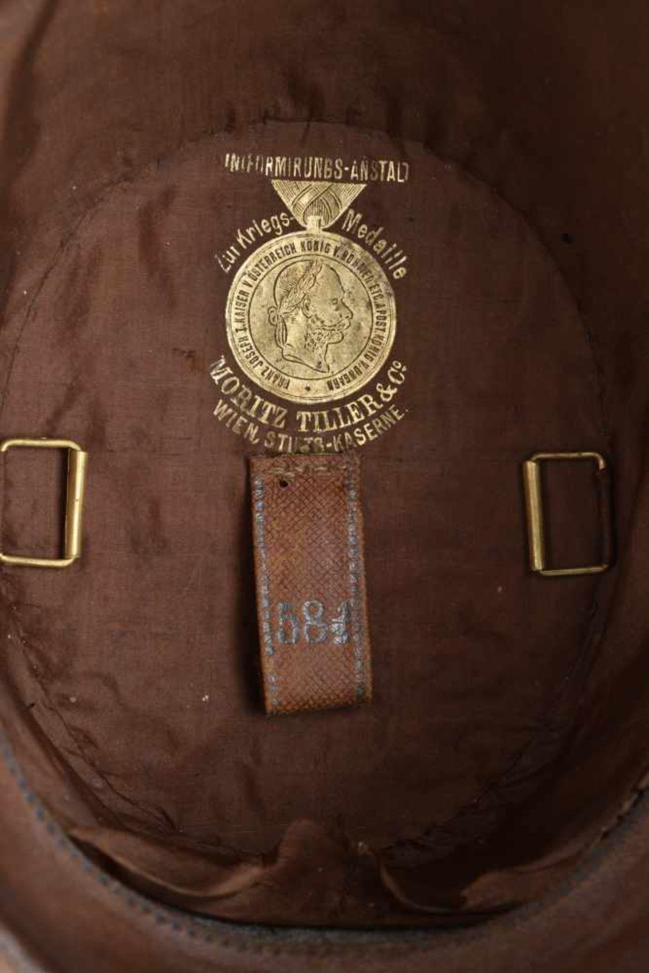 Los 29 - EMPIRE AUSTRO HONGROIS Shako d'officier subalterne du 9ème régiment d'Infanterie En grande Tenue