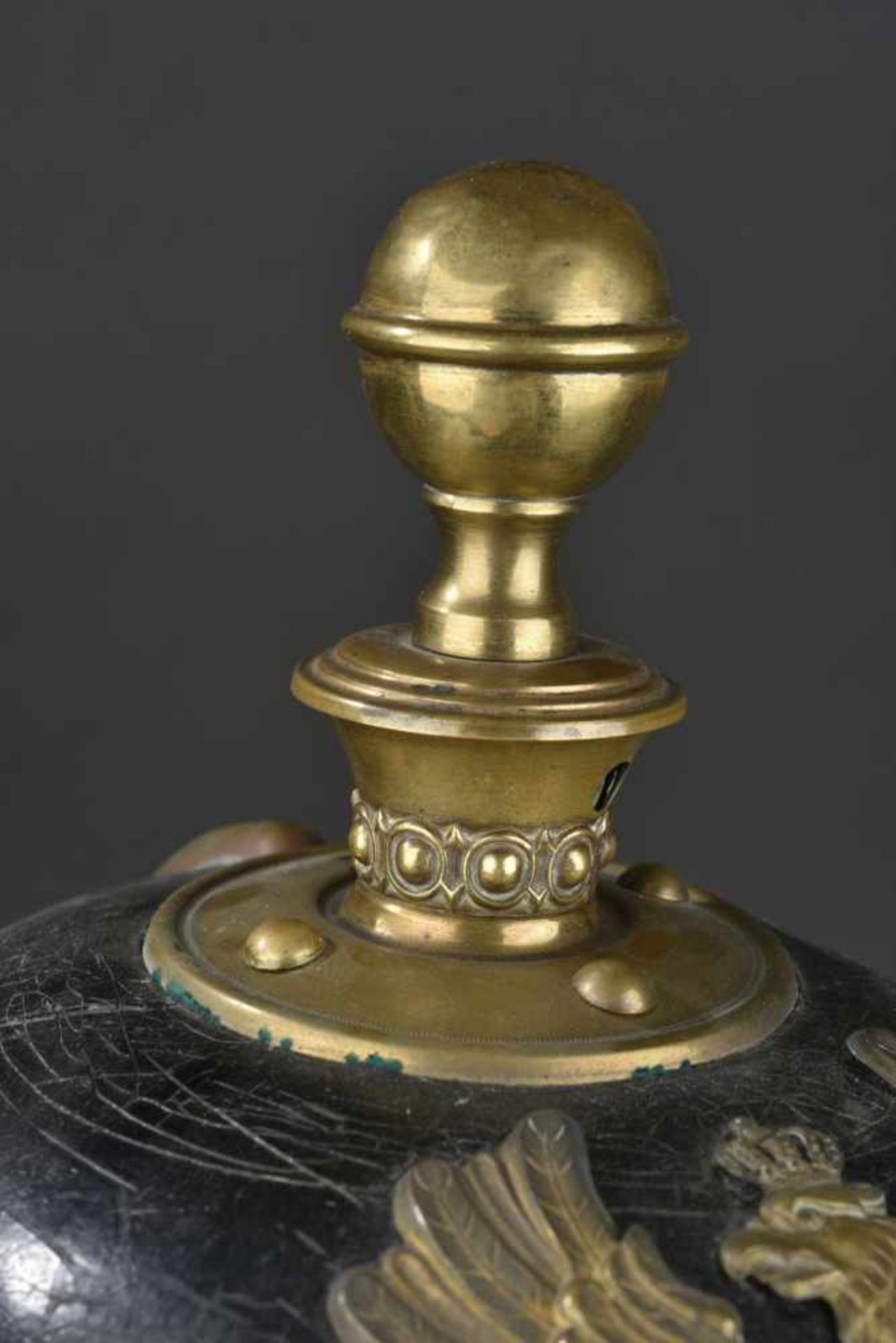 PRUSSE Casque d'artilleur modèle 1871/99 d'engagé Prussien de réserve Soie de la coiffe absente. - Bild 3 aus 4