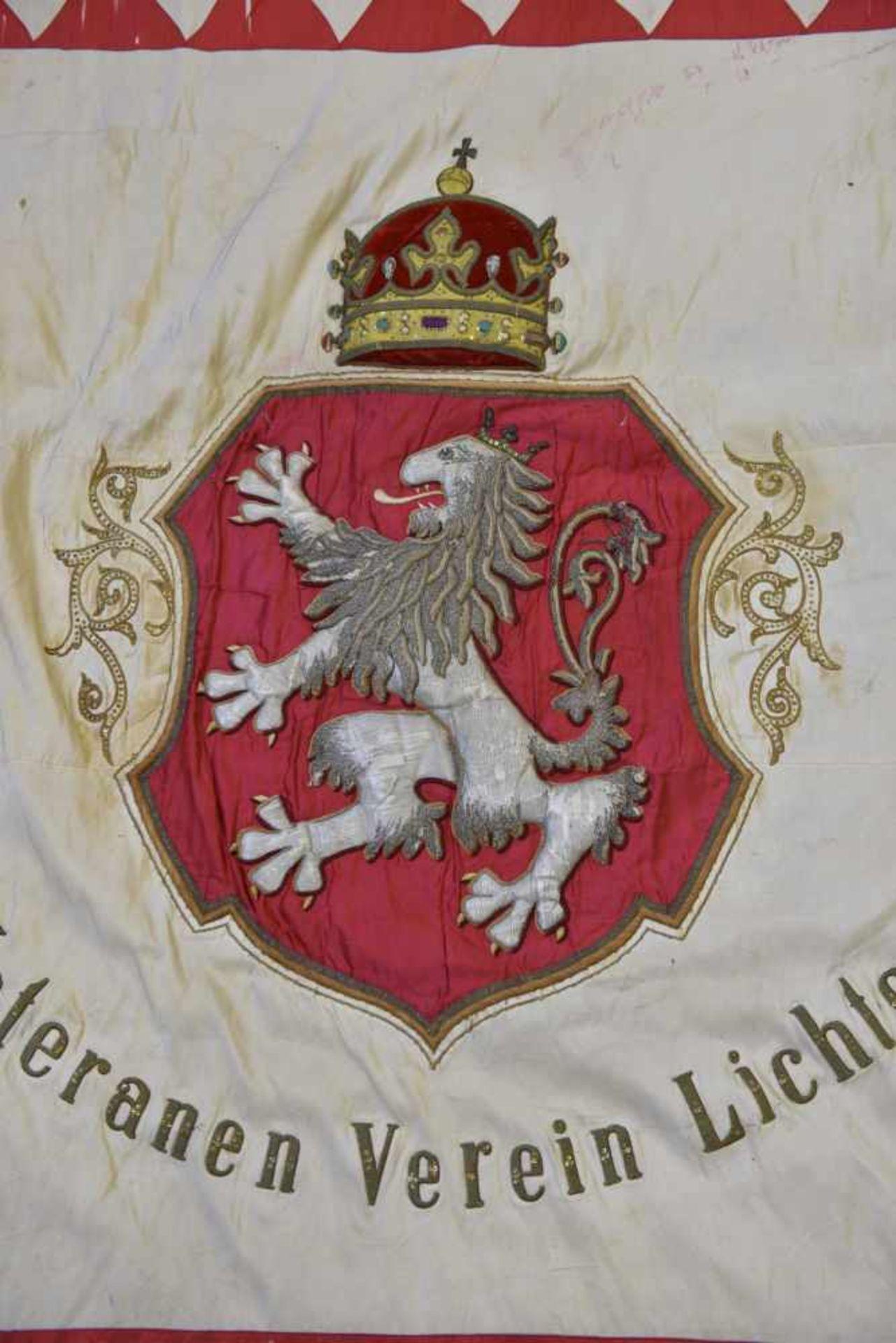 Drapeau de l'association des vétérans militaires de Lichtenwald en Basse Styrie Biface. Recto en - Bild 4 aus 4