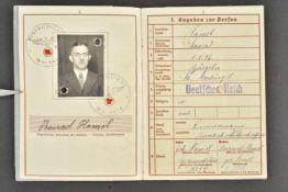 Wehrpass du soldat Konrad Hamel de la Kriegsmarine Livret complet, au nom de Konrad Hamel.
