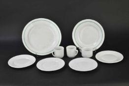 Ensemble de vaisselle de la Kriegsmarine liseré vert Comprenant une assiette plate Koenigzelt