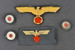 Ensemble d'accessoires d'uniforme de l'artillerie côtière Comprenant un aigle de poitrine brodé