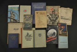 Ensemble d'ouvrage de la Kriegsmarine Comprenant un fascicule Wie Komme Ich zur Kriegsmarine. Un