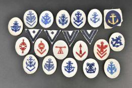 Ensemble d'insignes de spécialité pour la troupe et les sous-officiers Tous les insignes sont sur