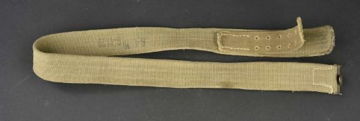 Ceinturon Afrikakorps En toile sable, taille 100, marquage manuscrit P-4855 et G-4139. A noter une