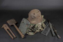 Ensemble d'équipements allemand Comprenant une coque de casque allemand de la première guerre