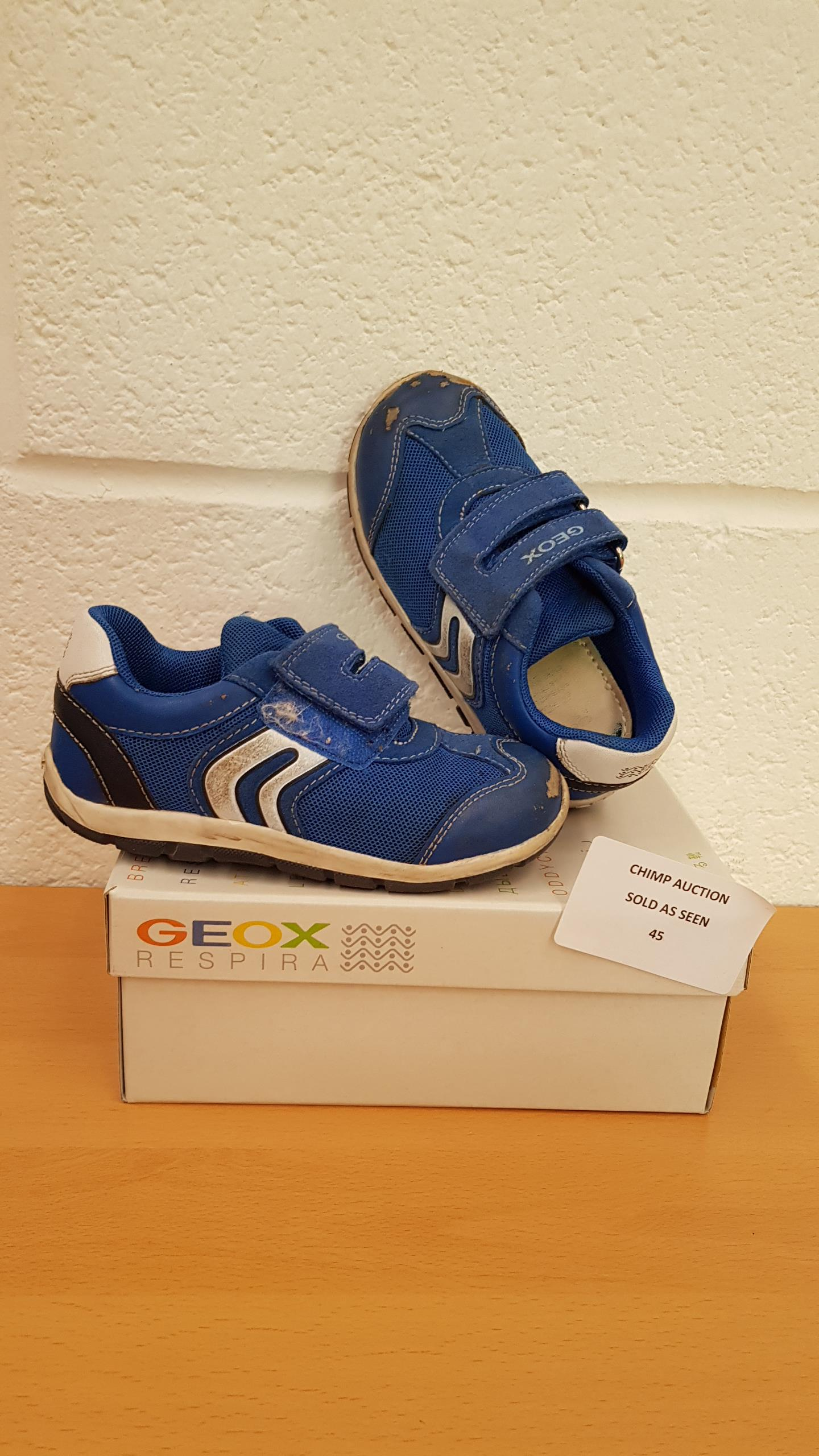 Lot 45 - Geox Respira kids shoes uk size 8.5