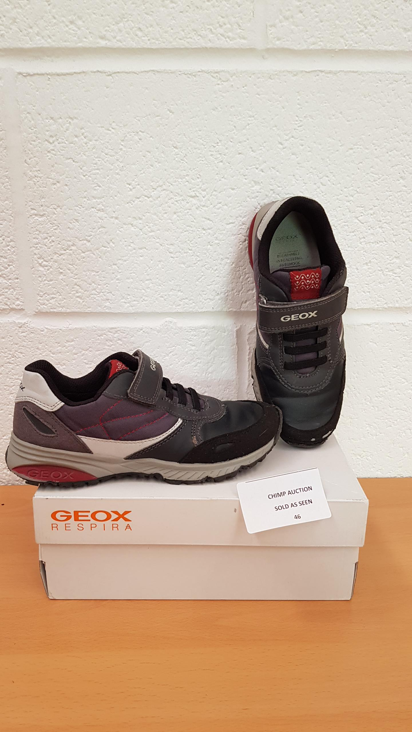 Lot 46 - Geox Respira kids shoes uk size 13