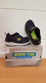 Lot 44 - Skechers Equalizer Game Point trainers KIDS UK SIZE 12