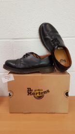 Lot 54 - Dr.Martens Airwair mens shoes UK SIZE 9.5