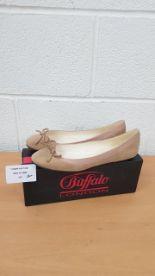 Lot 210 - Buffalo London ladies shoes EU 39