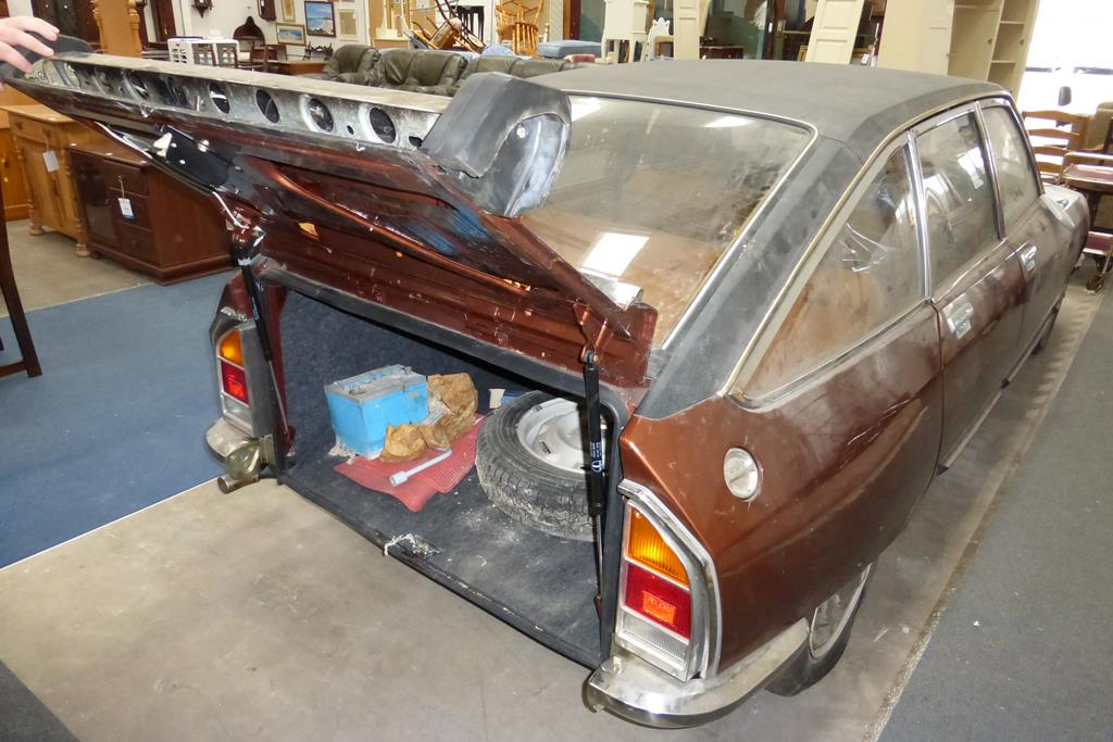 Lot 1000 - 01.8.76 Citroen GS Pallas TC Semi Auto 4 Door Saloon. 1222cc Petrol, Registration LFU 497R, 78 miles