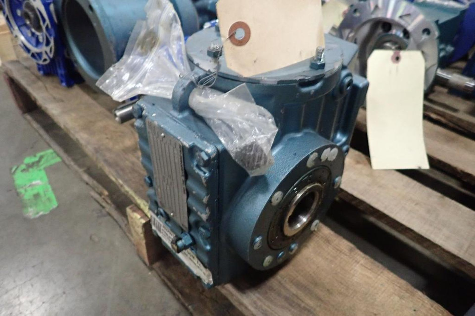 Pallet of assorted gearboxes. (See photos for additional specs). **Rigging Fee: $25** (Located in Ea - Image 5 of 65