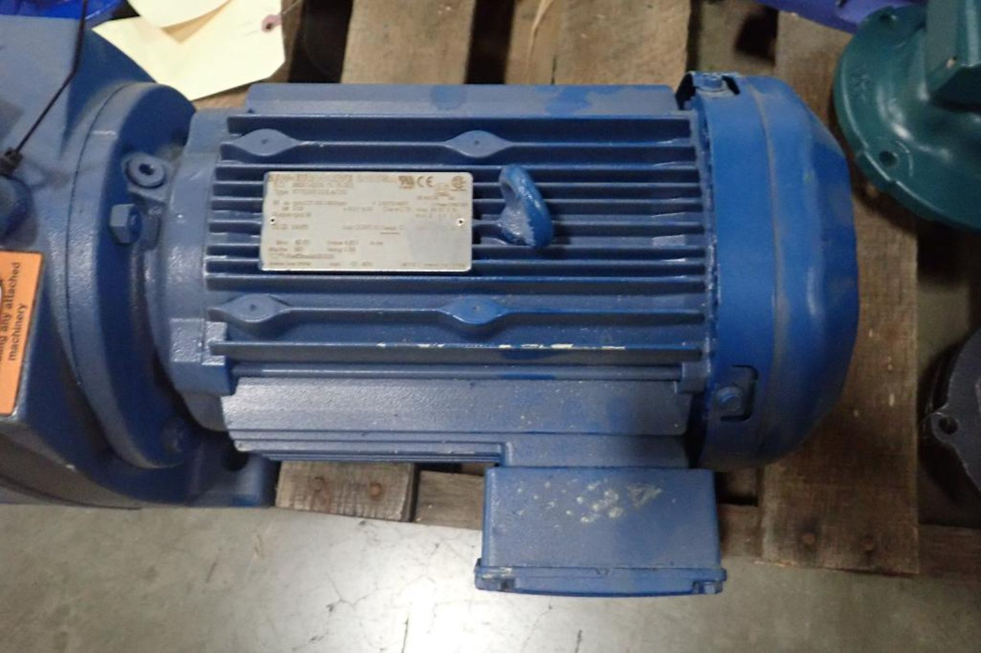 Pallet of assorted gearboxes. (See photos for additional specs). **Rigging Fee: $25** (Located in Ea - Image 62 of 65