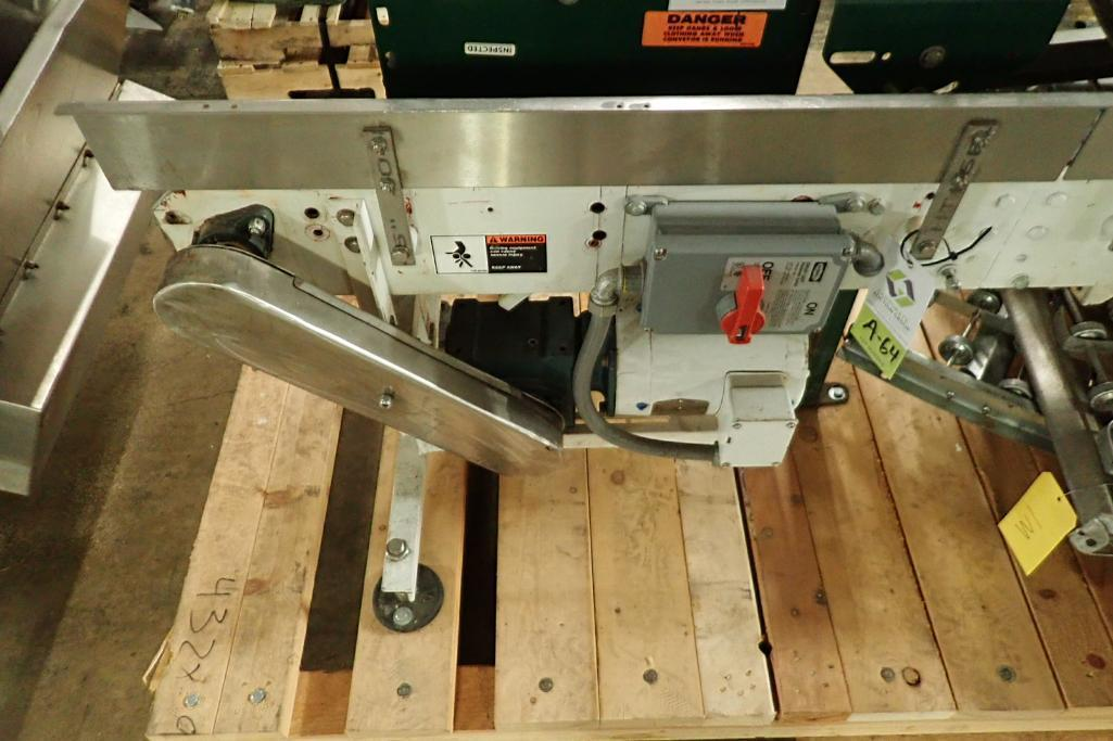 Lotto 64 - Arrowhead table top chain conveyor {Located in Indianapolis, IN}