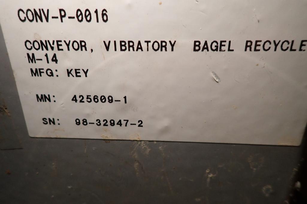Lotto 8 - Key iso-flo vibrator conveyor {Located in Indianapolis, IN}