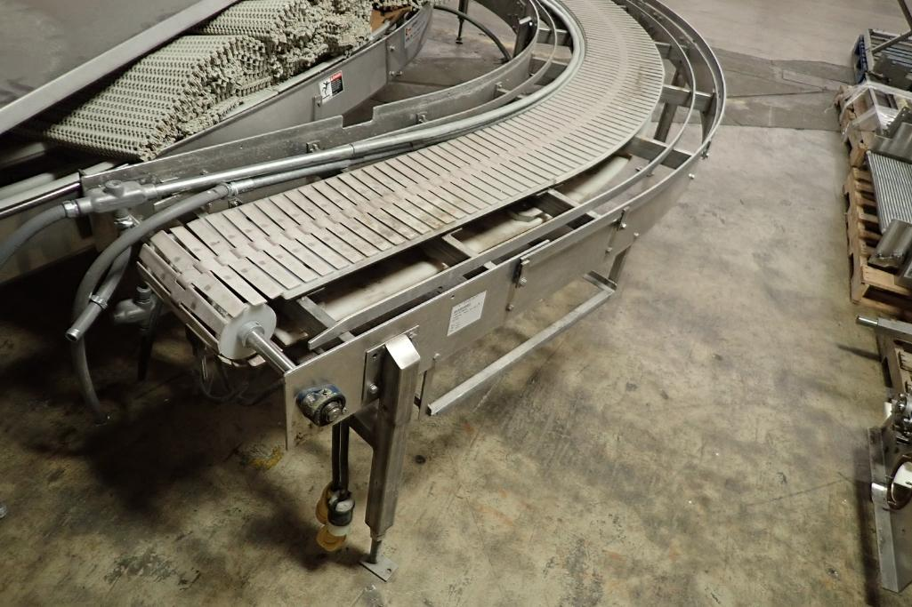 Lot 46 - 90 degree table top conveyor {Located in Indianapolis, IN}