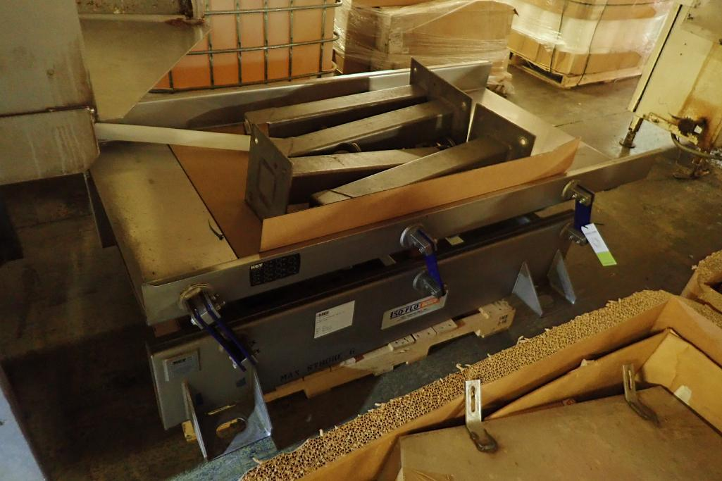 Lotto 11 - Key iso-flo vibrator conveyor {Located in Indianapolis, IN}