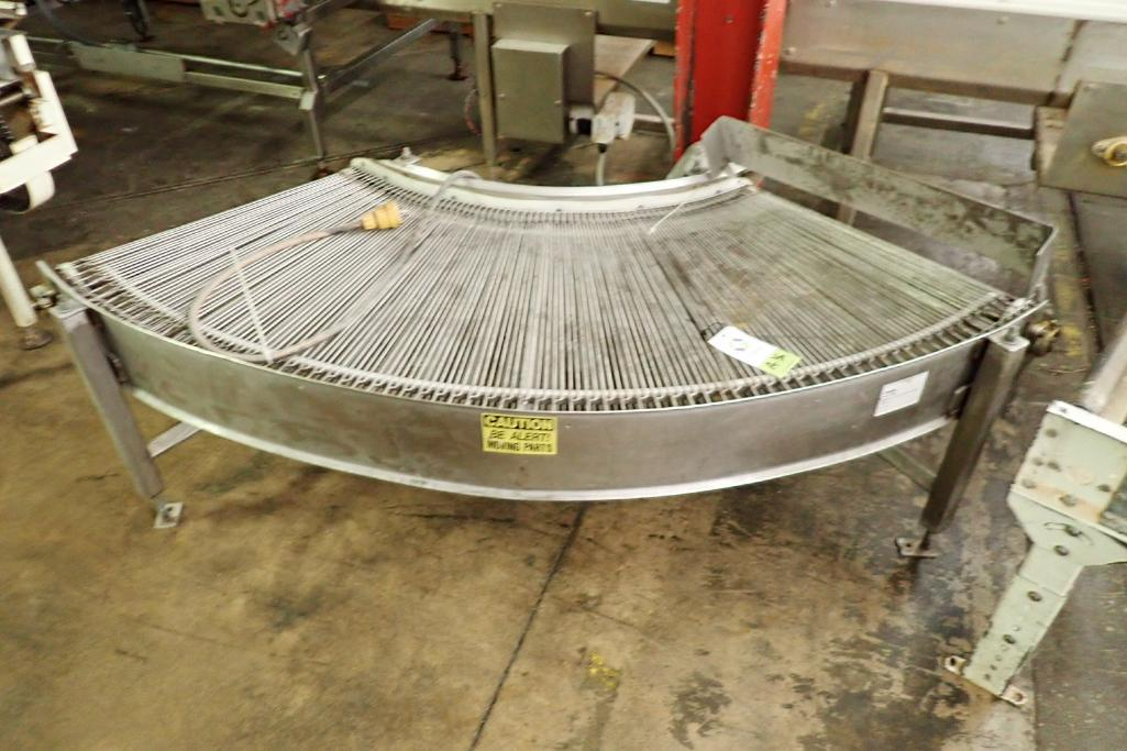 Lot 36 - Kleenline 90 degree conveyor {Located in Indianapolis, IN}