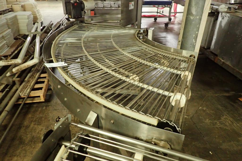 Lotto 18 - Keenline SS 90 degree conveyor {Located in Indianapolis, IN}