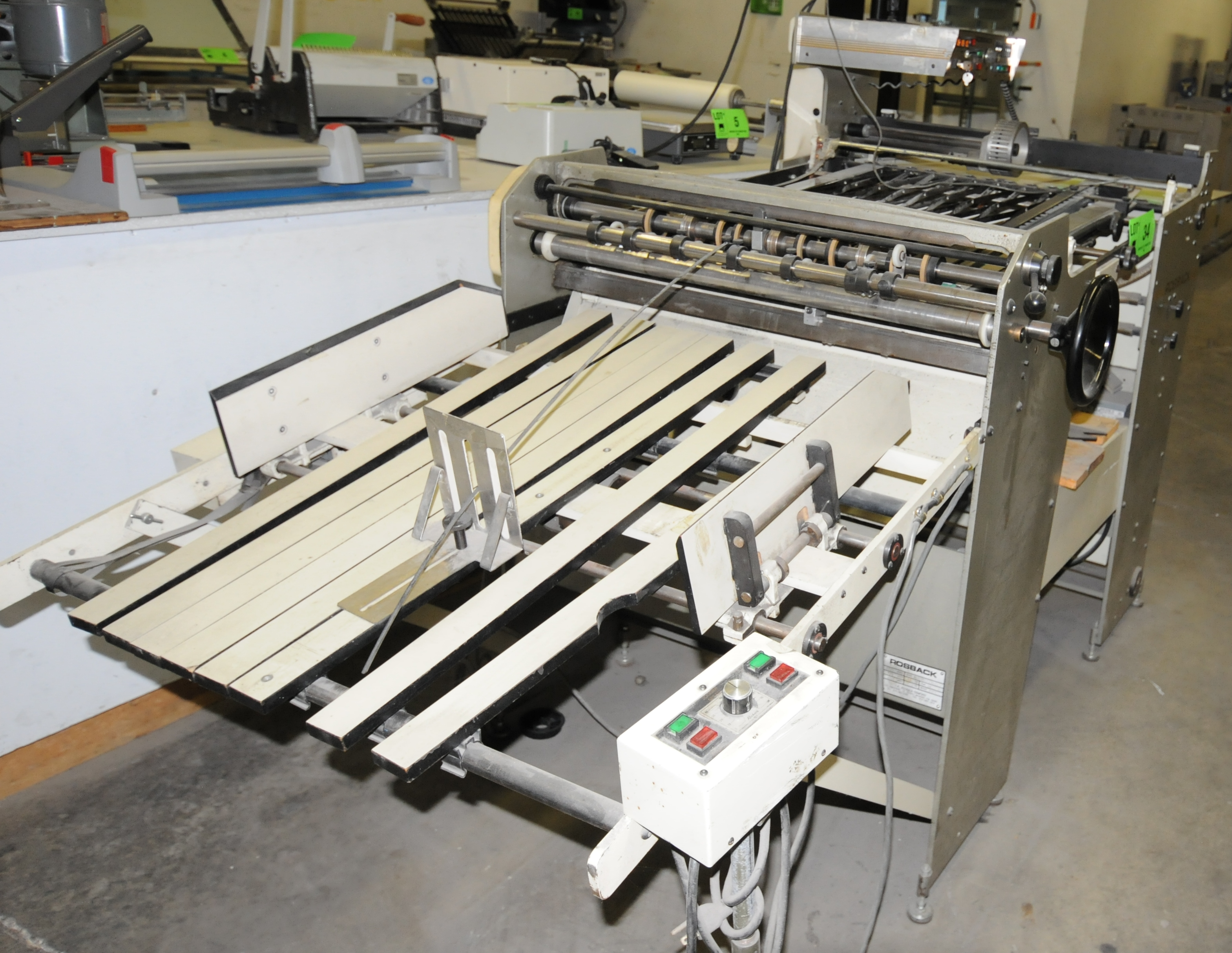 "Lot 34 - ROSBACK (2002) 240B PILE FED PERFORATOR WITH VARIABLE SPEED CONTROL, 29"" MAX SHEET WIDTH CAPACITY,"