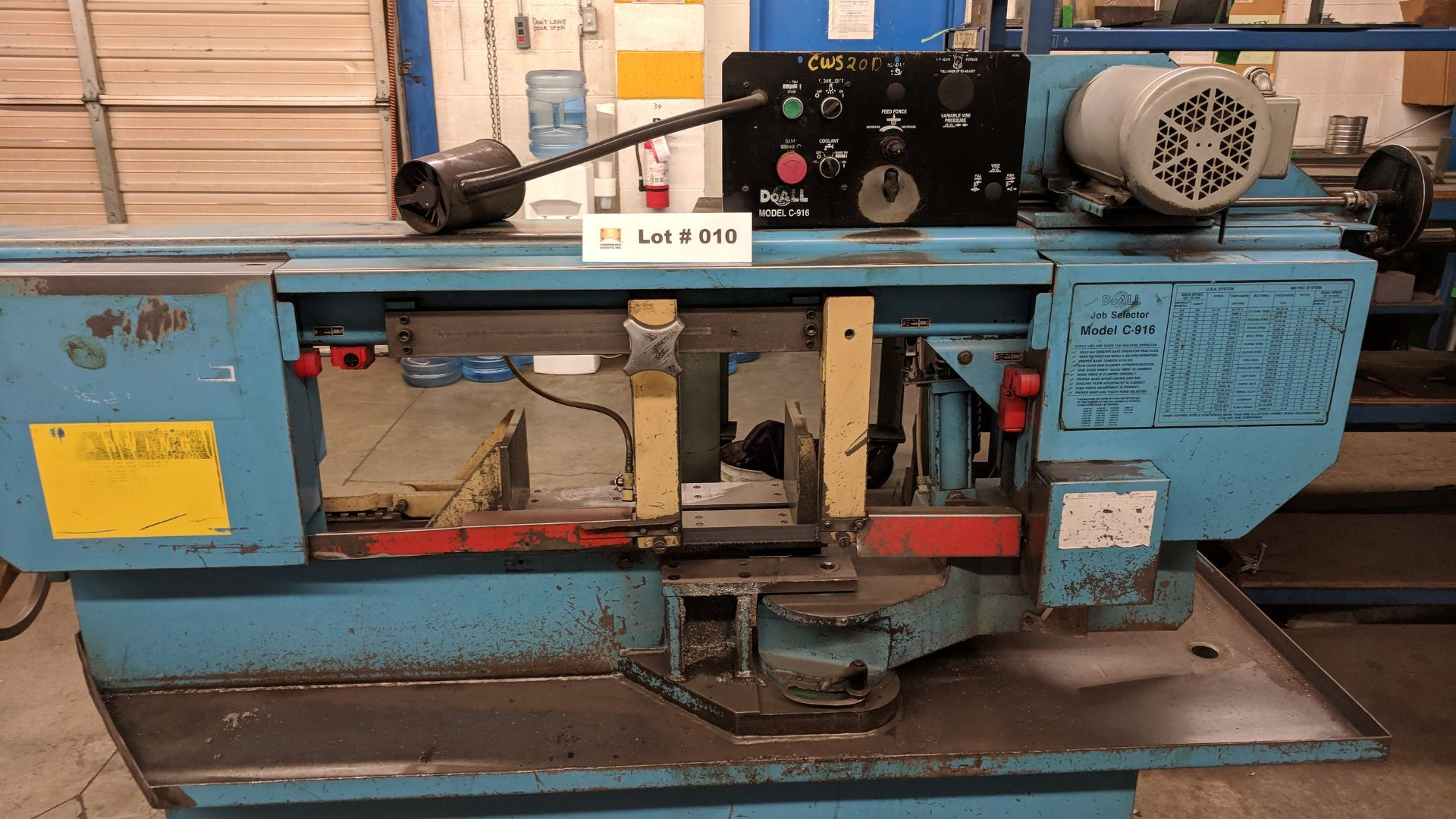 """Lot 10 - DOALL C916S 9""""X16"""" METAL CUTTING HORIZONTAL BAND SAW WITH 1"""" X .035"""" X 158"""" BLADE, MITER CAPABILITY,"""
